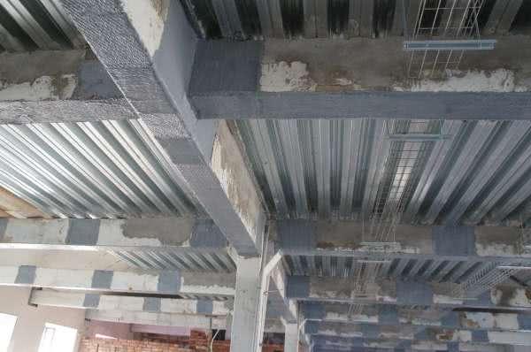 Укрепление бетонных стен обоймами