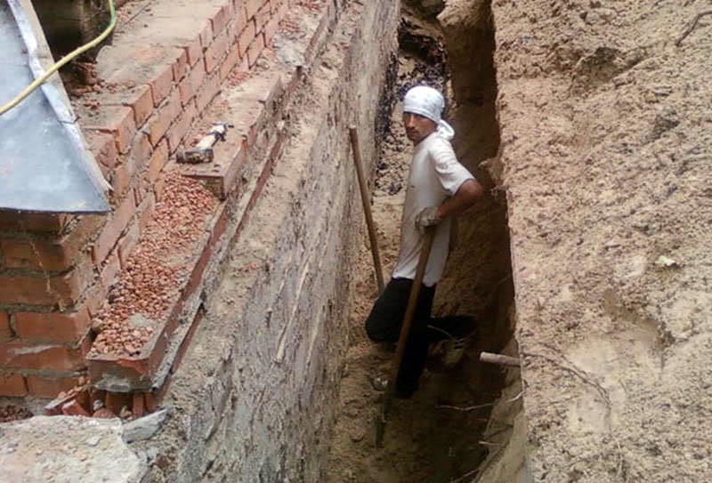 Работы по восстановлению гидроизоляции фундамента